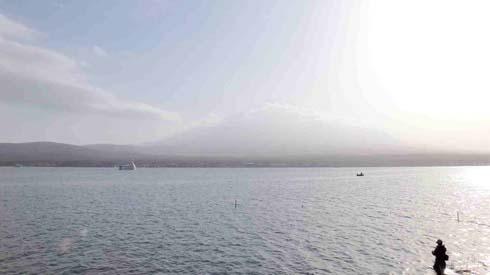 富士山山頂が写ってるんですケロ~。