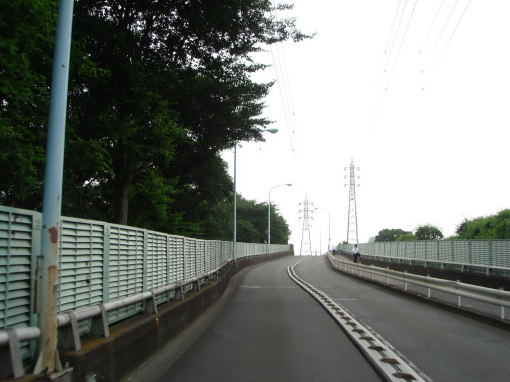 プチループ橋を登る!