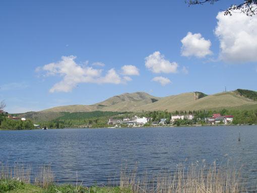 白樺湖です。